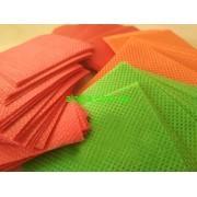 Салфетки 6х6 см Doily  цветные из спанбонда 45 г /м² 100 шт